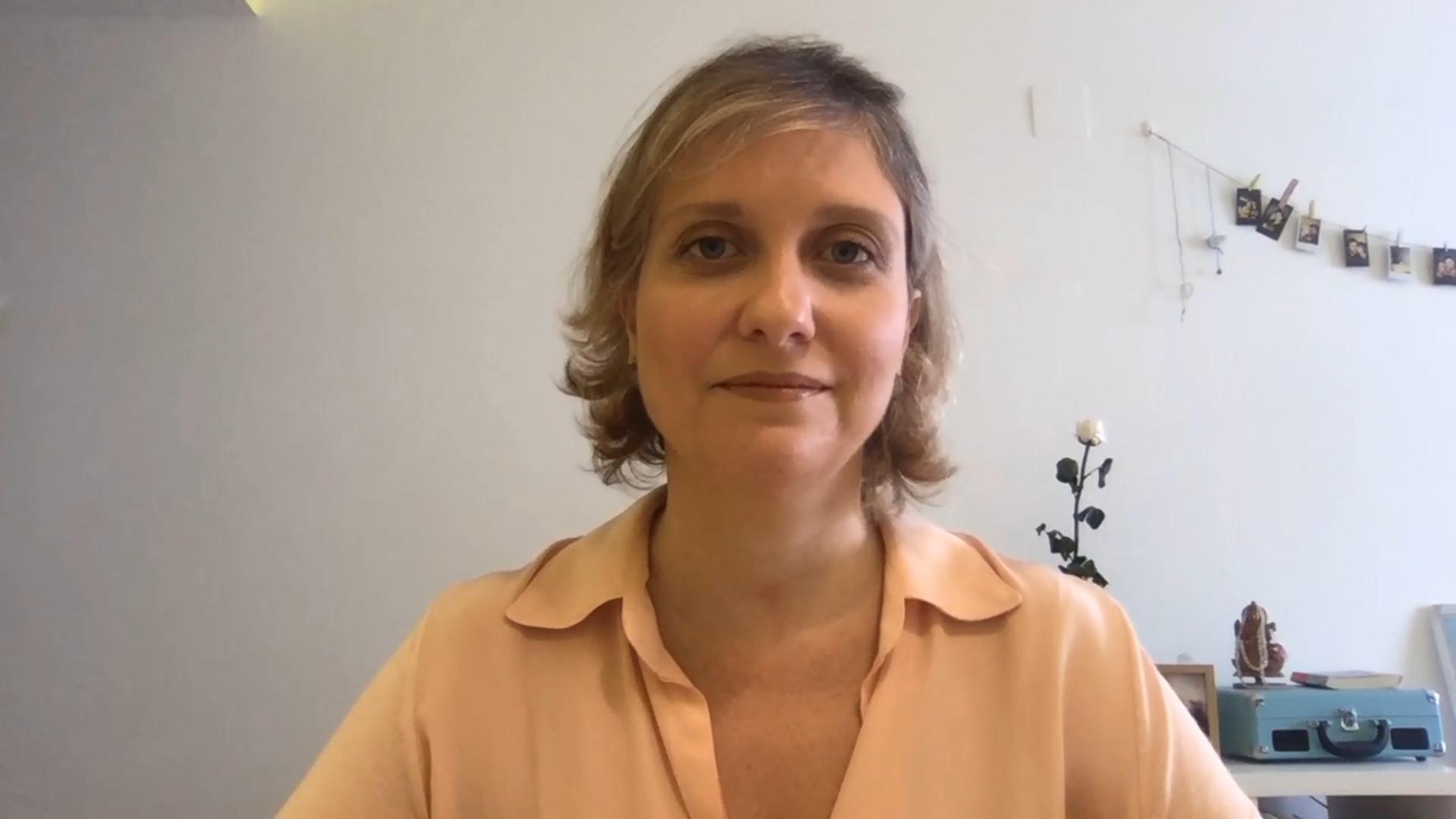 Cyntia Menezes, Consultora en Font Advocats